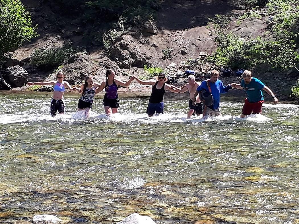 D5: Teamwork to cross the raging river